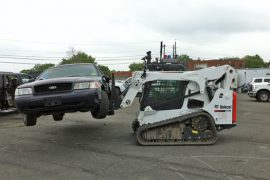 Skid-Steer-Lifting-Vehicle